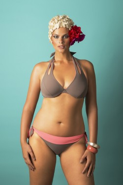 DOUBLE - Underwired bra + COLORS - Briefs.